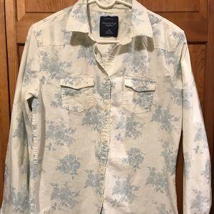 American Eagle denim button up chambray shirt